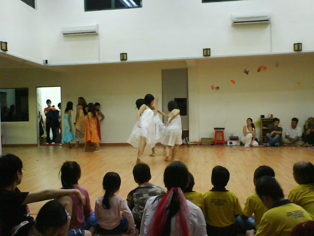 charityconcert-dance2.jpg