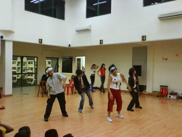 charityconcert-dance3.jpg